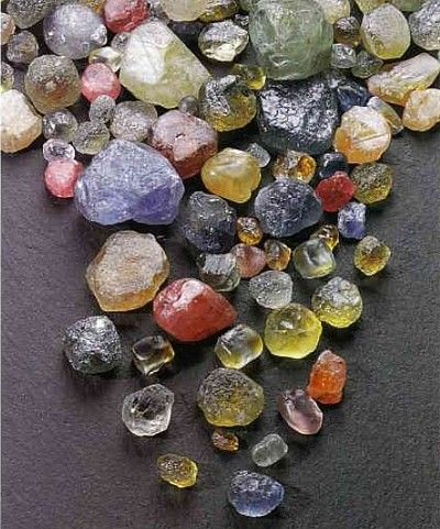 how to find rocks and minerals in your backyard