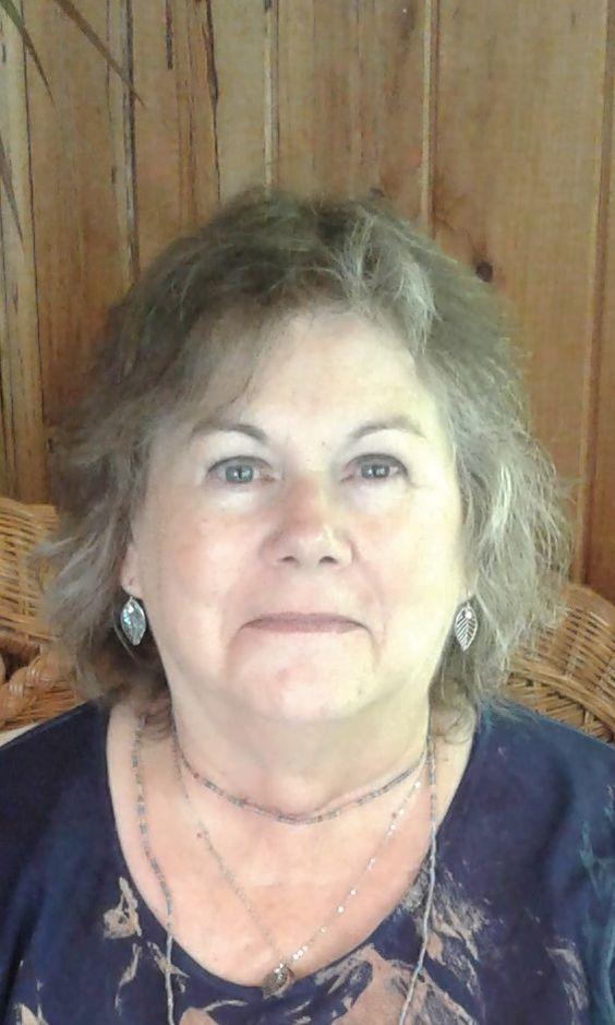 Lynne Collier profile headshot